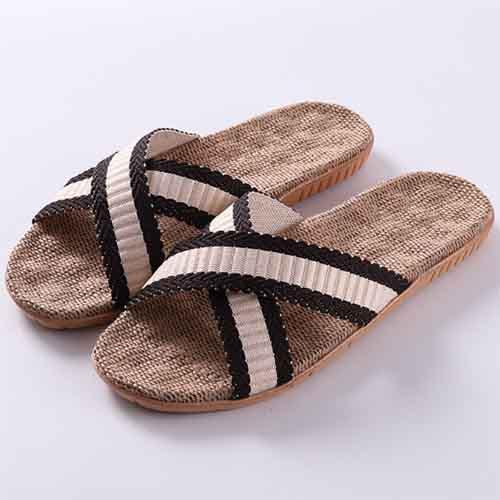 Fashionable linen slippers for ladies